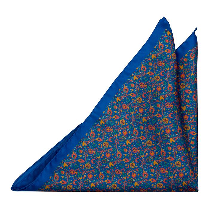 Silke Lommetørkler, Små røde, grønne & orange blomster på blå base