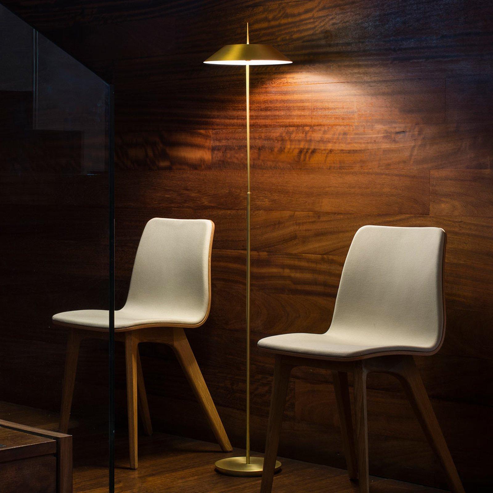 Mayfair - en dekorativ gullfarget LED gulvlampe