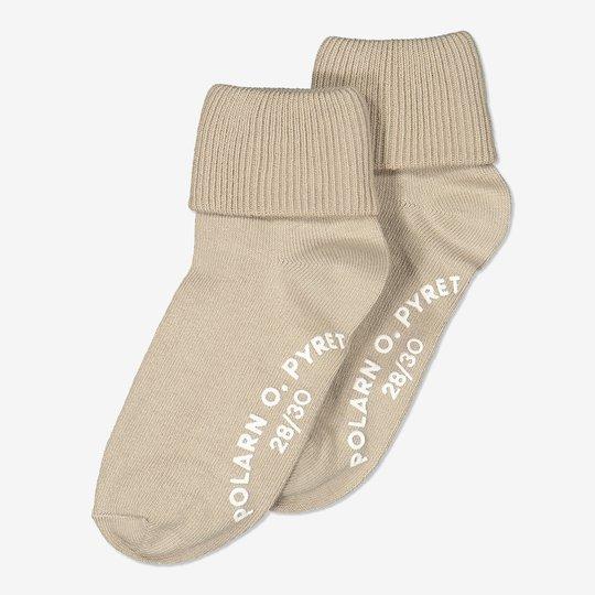 2-pakning sokker med sklisikring. beige