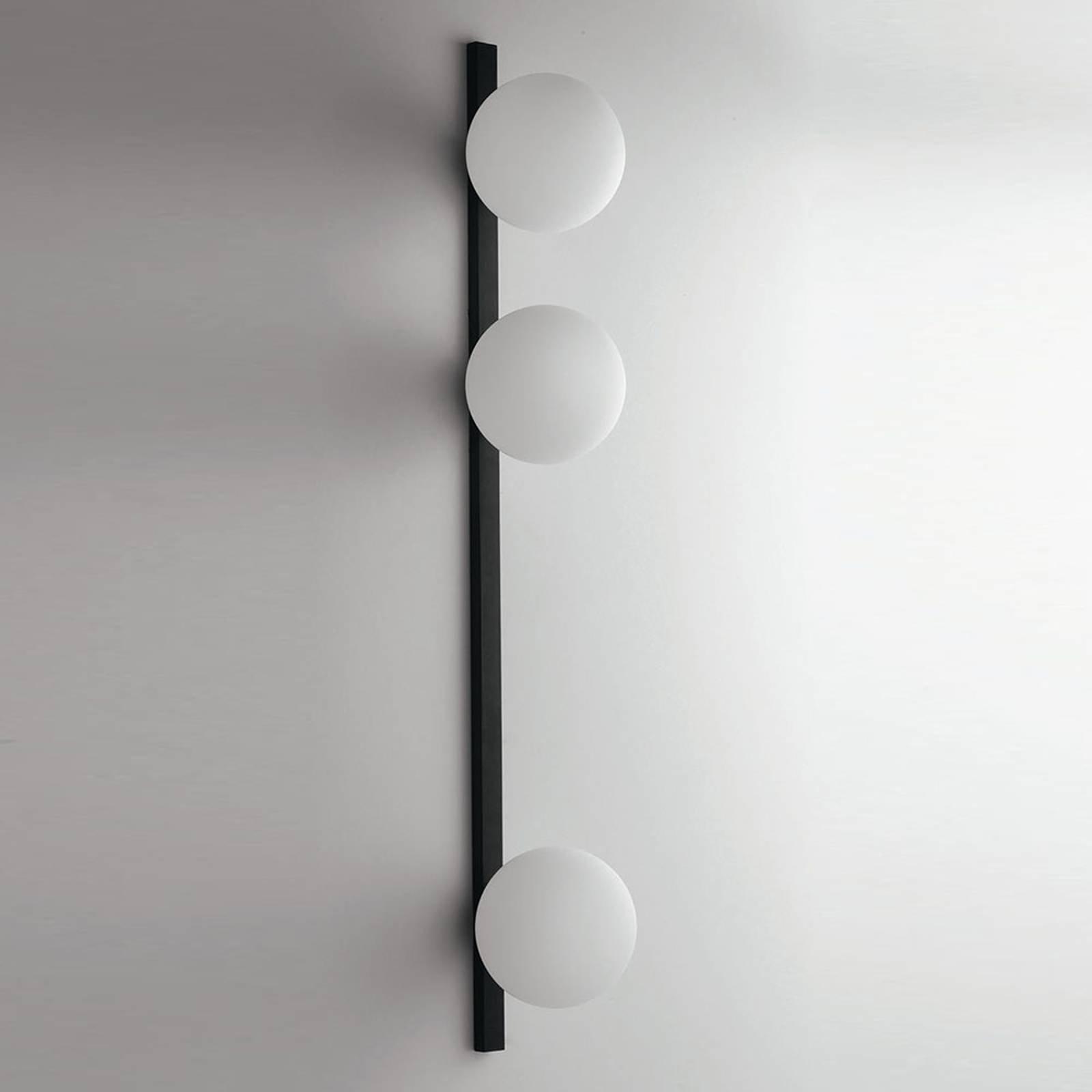 Vegglampe Enoire i svart og hvit, 3 lyskilder