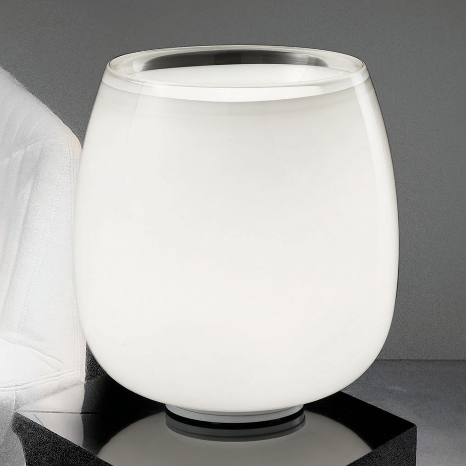 Implode - lasinen pöytälamppu Ø 38 cm