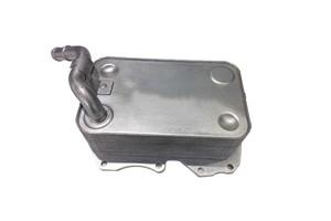 Öljynjäähdytin, moottoriöljy, AUDI A8, Q7, VW TOUAREG, 057117021P