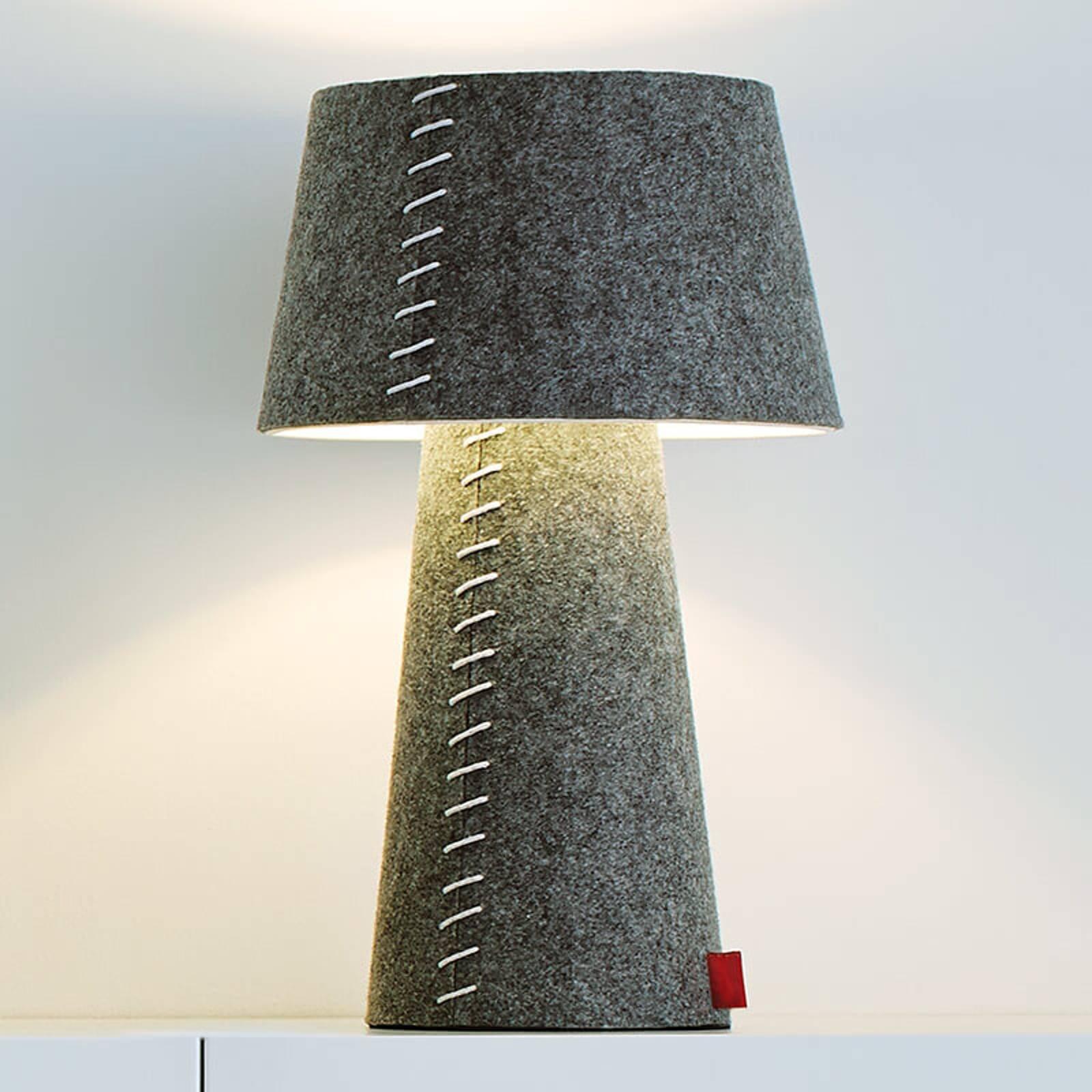 Alice - grå LED-bordlampe omfavnet i filt