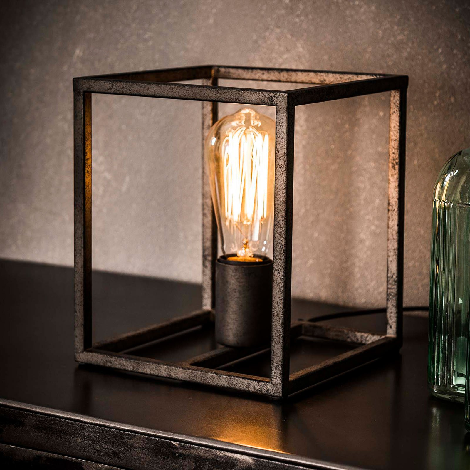 Bordlampe Perpendillumina i kubeform