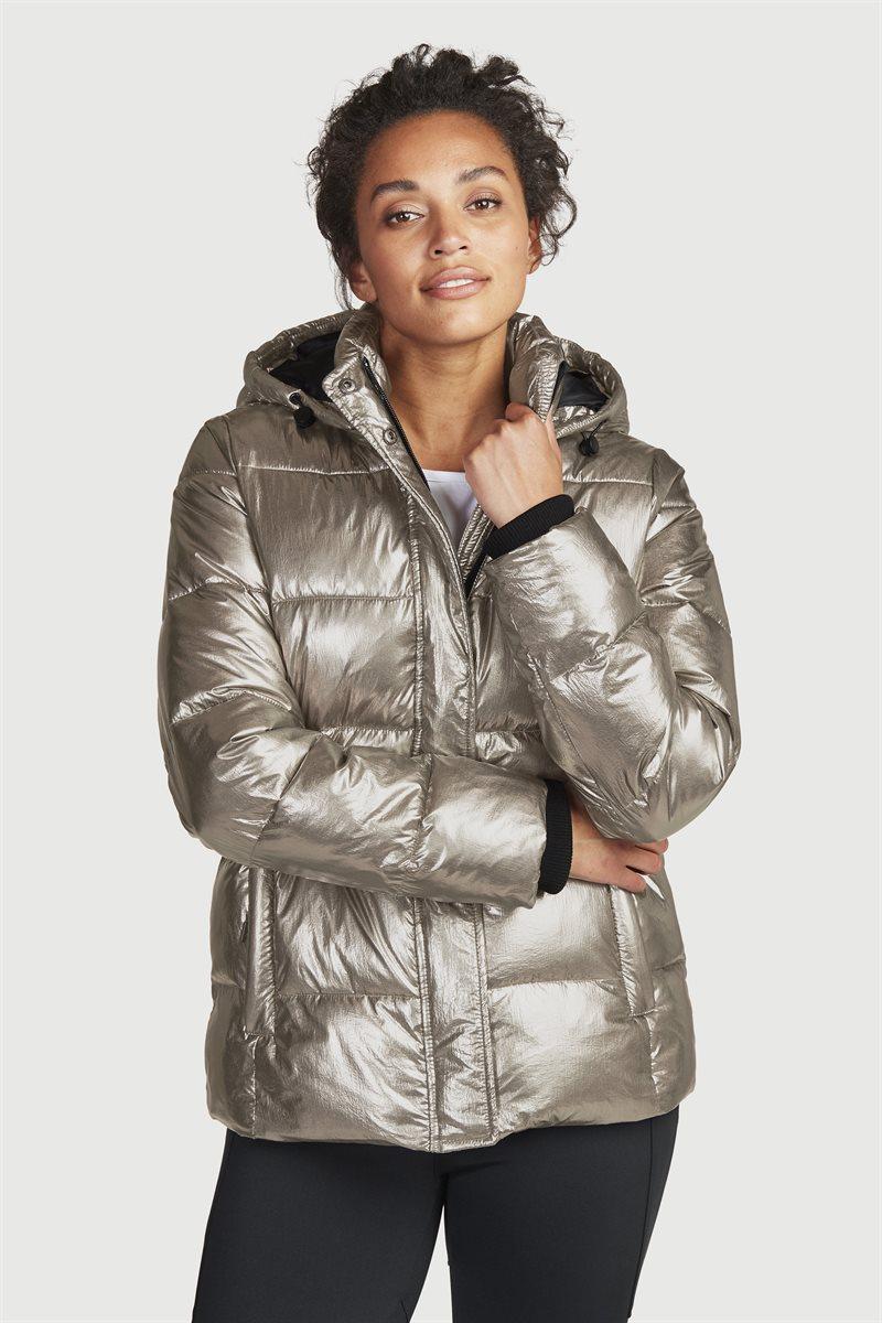 Topattu takki metallisella lookilla