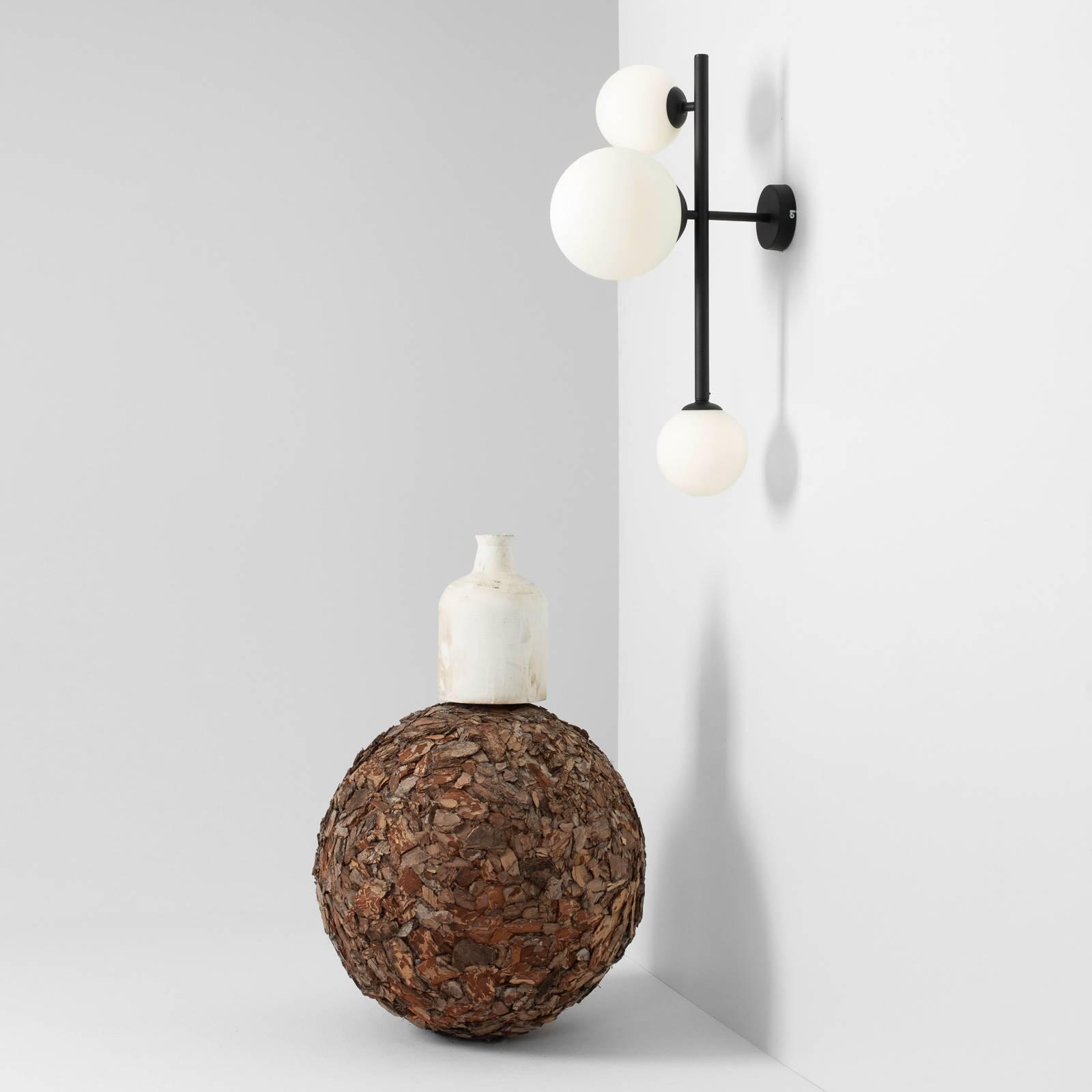 Seinävalaisin Dione, 3-lamppuinen, musta
