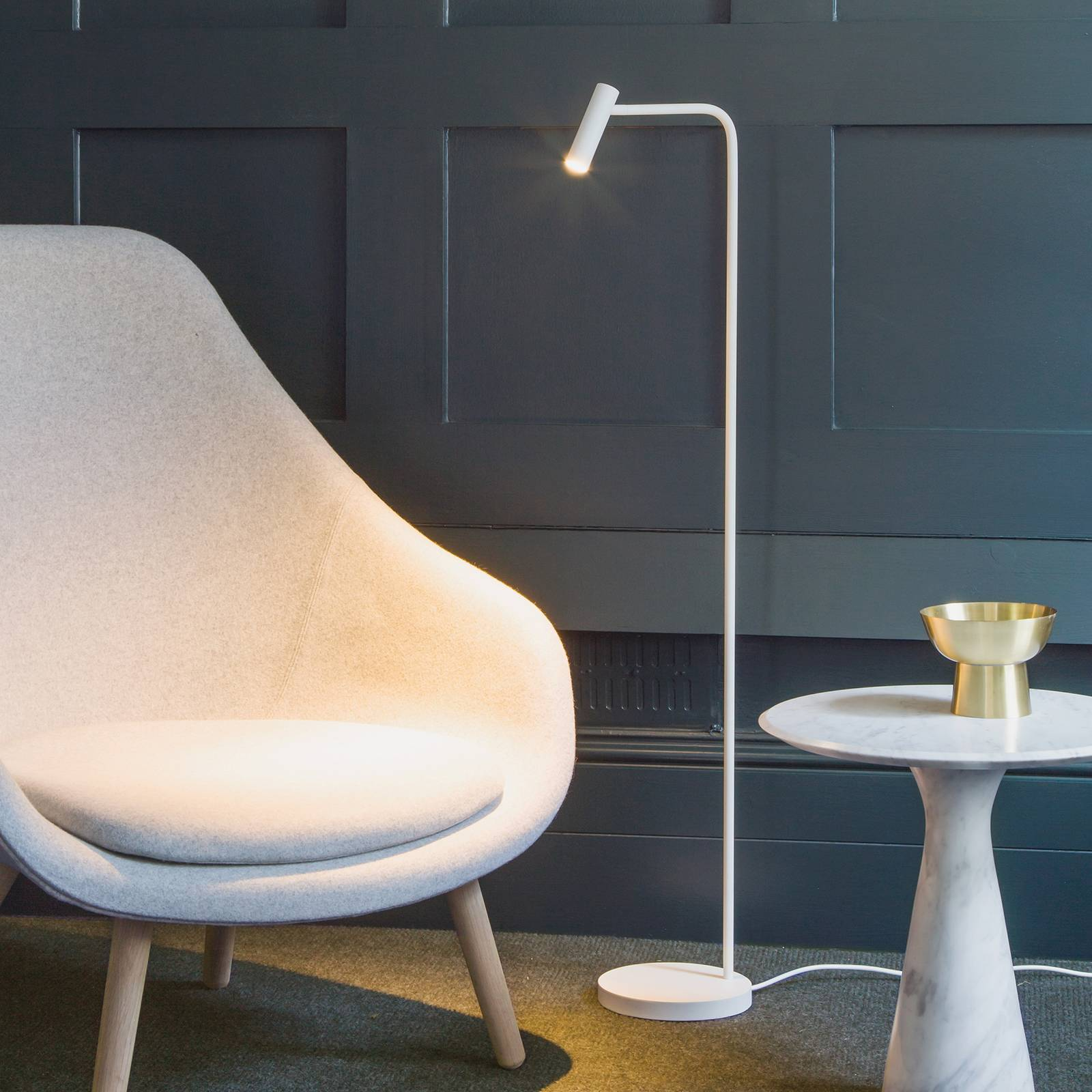 Astro Enna -LED-lattiavalaisin, mattavalkoinen