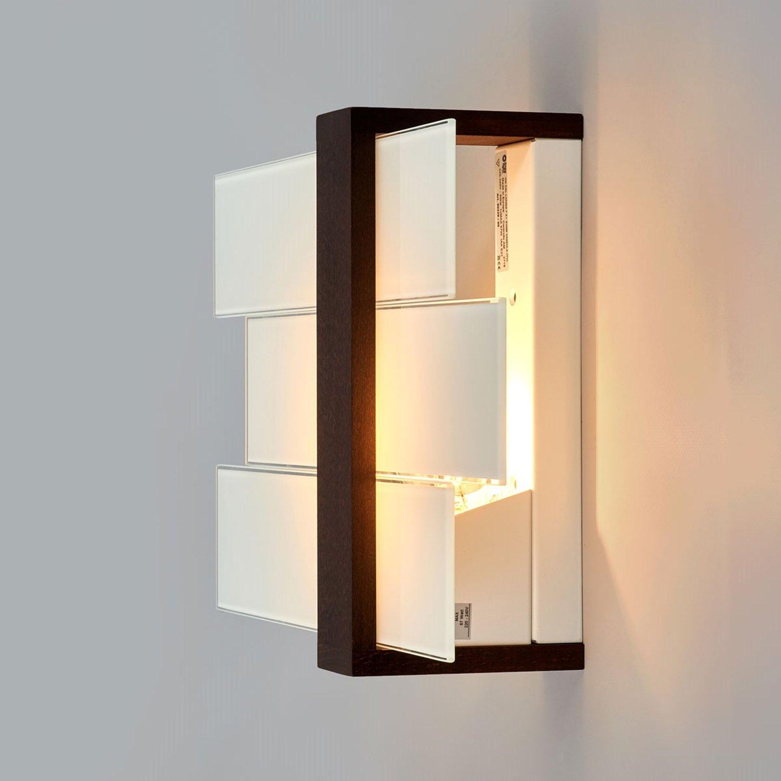 Attraktiv TRIAD vegg- og taklampe