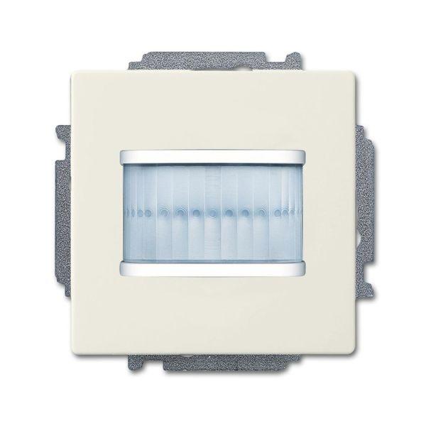 ABB Future Linear 6220-0-0598 Liikkeentunnistin Chalet-white