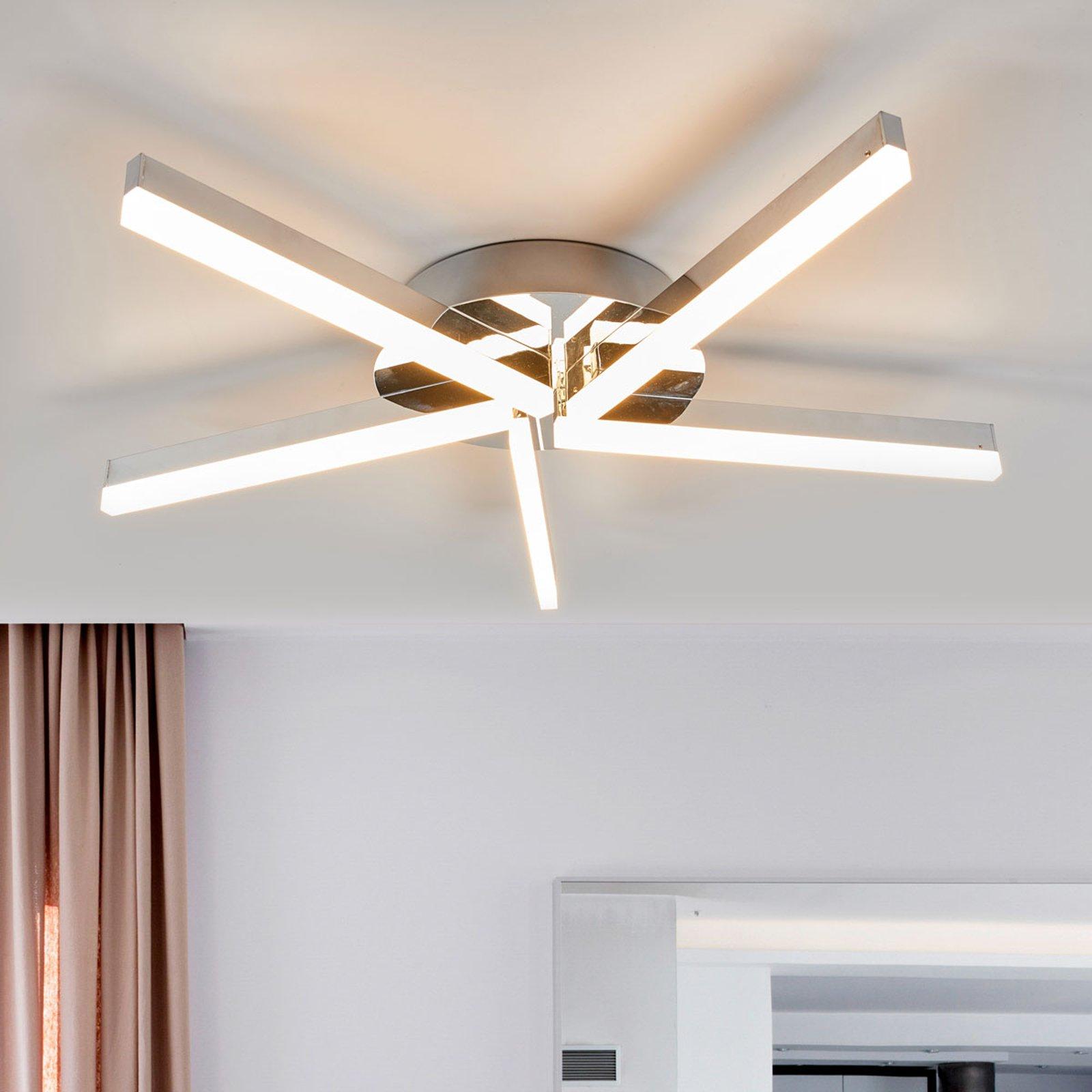 LED-taklampe Patrik i krom til badet, 5 lys, IP44