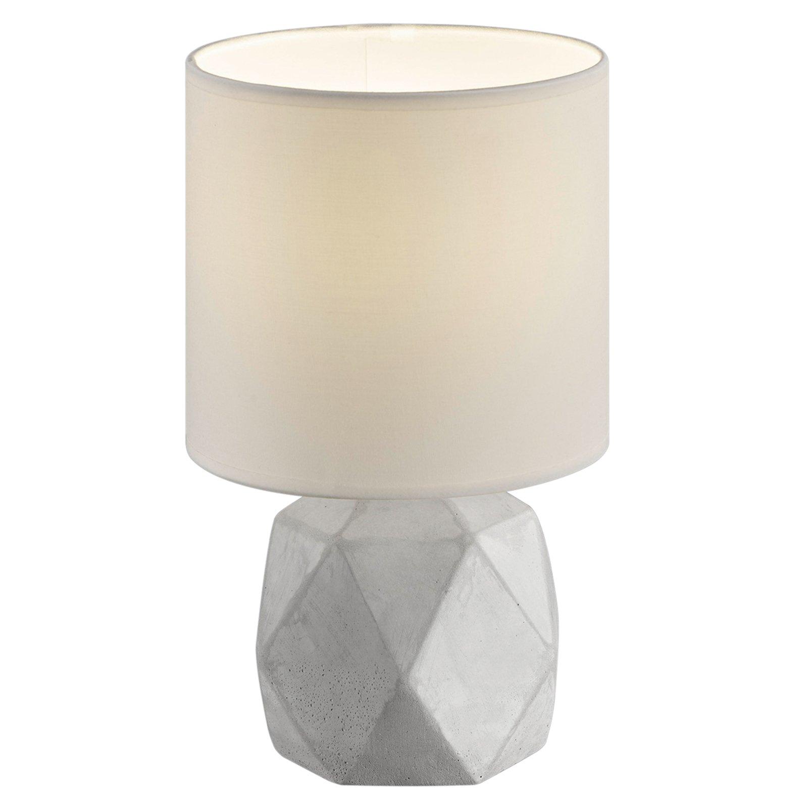 Tekstil bordlampen Pike med diamantformet fot.