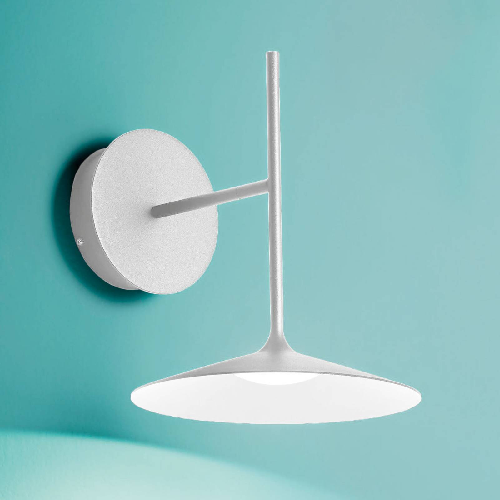 LED-seinävalaisin Poe Plus, valkoinen