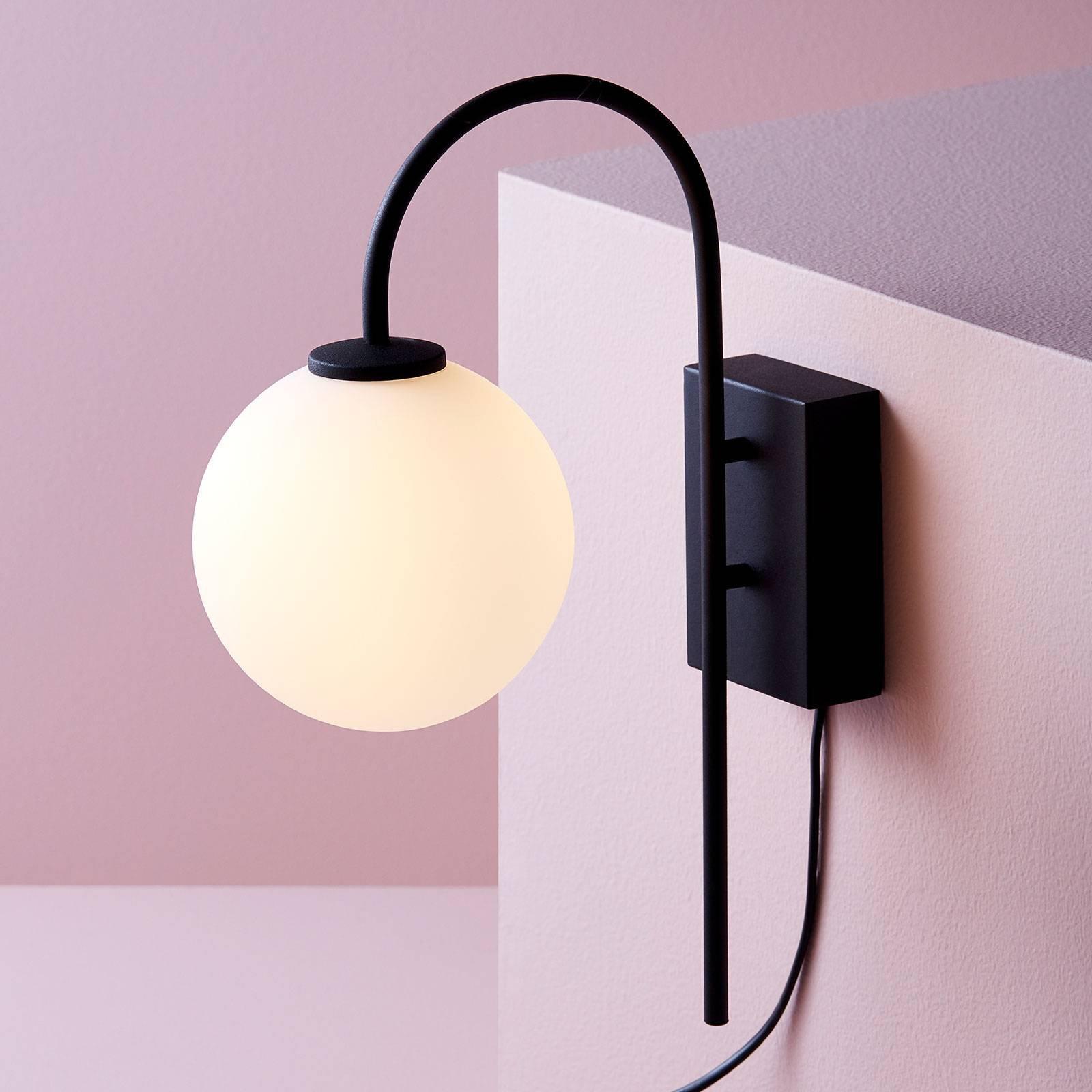Vegglampe Ballong med plugg, 1 lyskilde, svart