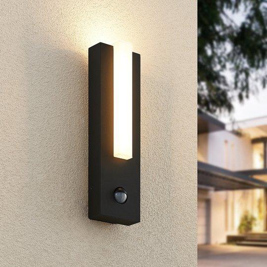Lucande Virgalia utendørs LED-vegglampe med sensor