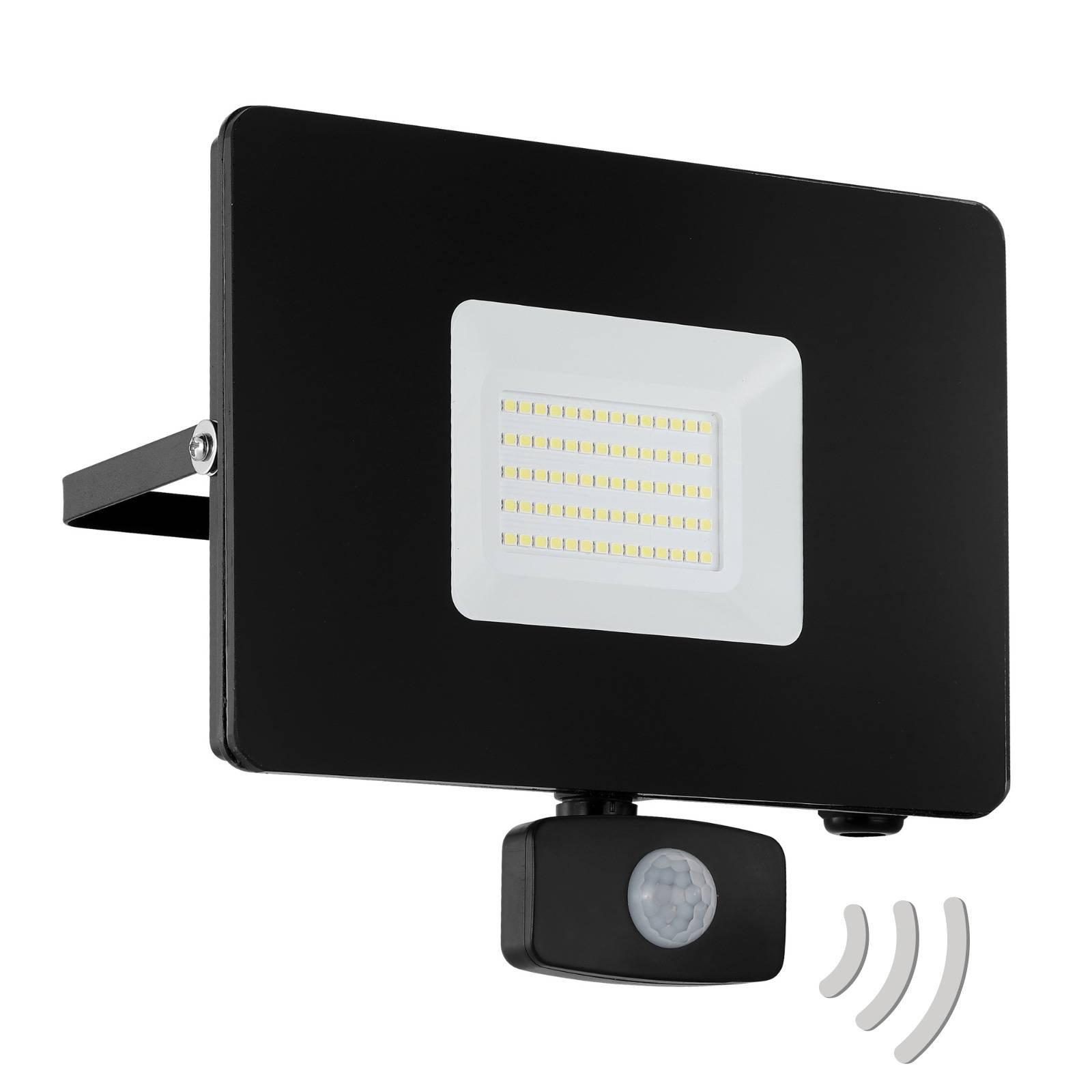 Utendørs LED-spot Faedo 3 med sensor, svart, 50 W