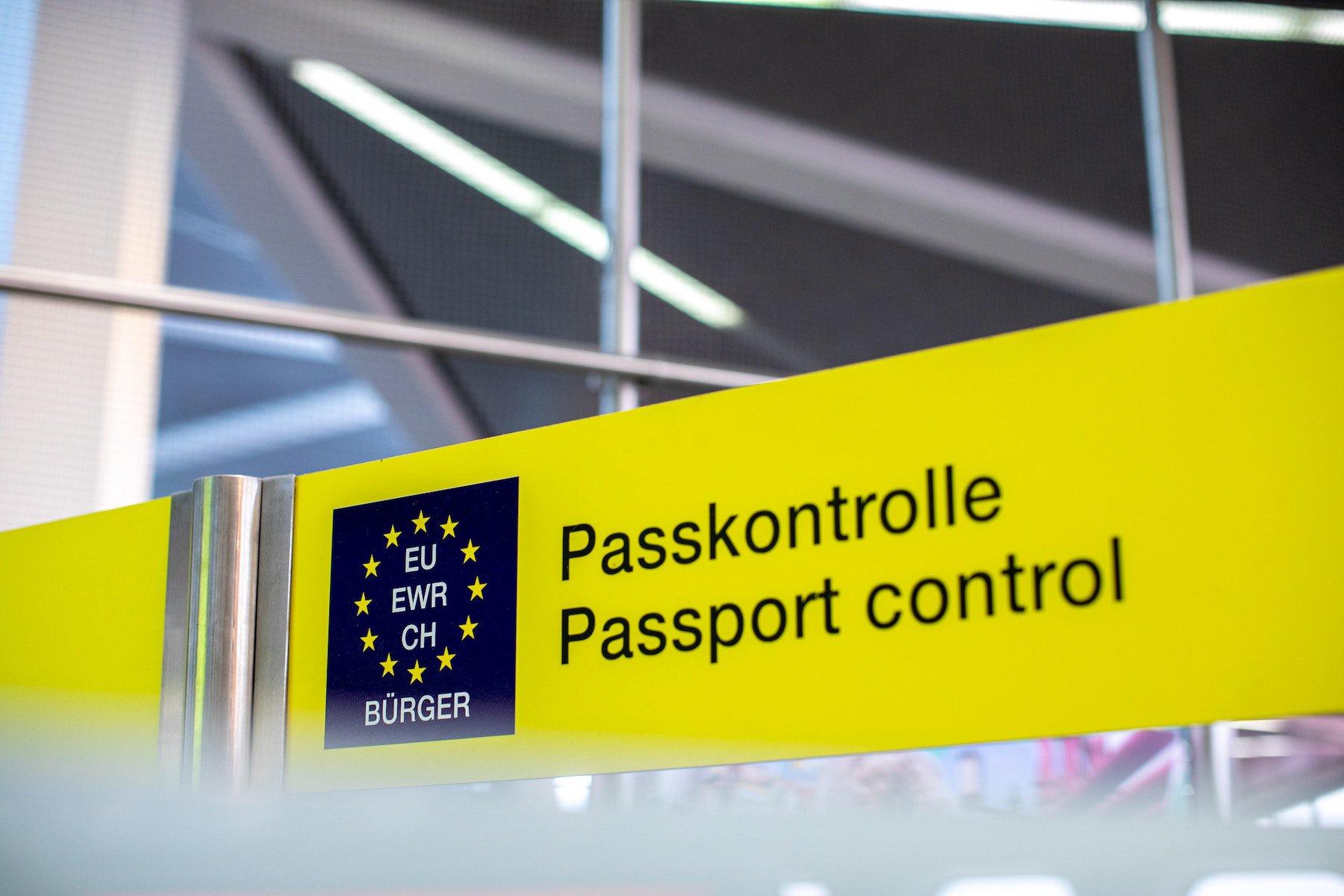 passport-controll.jpg