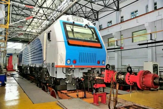China-Belarus No. 2 electric freight locomotive has obtained the Eurasian Economic Union (EEU) vehicle safety standard certification. Credit: CRRC.