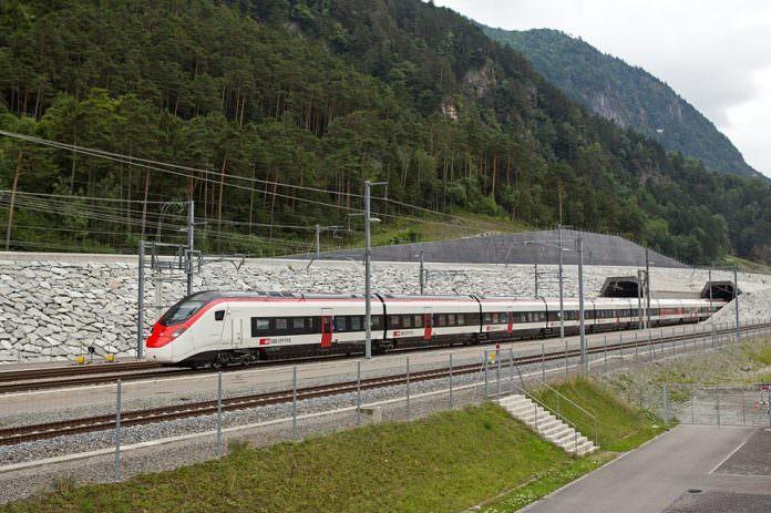 The EC250 passing through the Gotthard Base Tunnel. Credit: Stadler.
