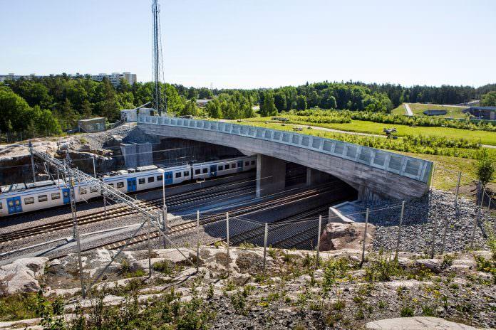 The new nature bridge in Kallhäll, Stockholm. Credit: Mikael Ullén/Trafikverket.