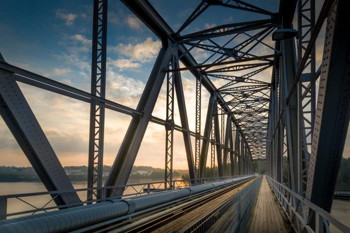 A stock image of a railway bridge. Credit: Nikiforov Alexander/Shutterstock.