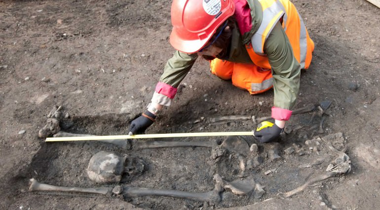 A beheaded Roman skeleton uncovered during an excavation of Broadgate Ticket Hall. Credit: Crossrail.