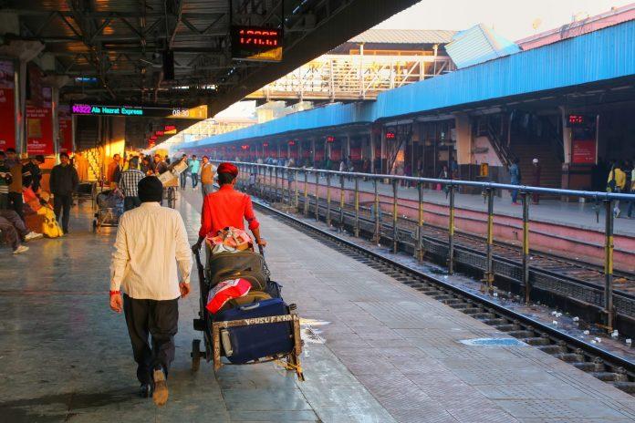 Jaipur Junction railway station. Photo: Don Mammoser / Shutterstock.com.