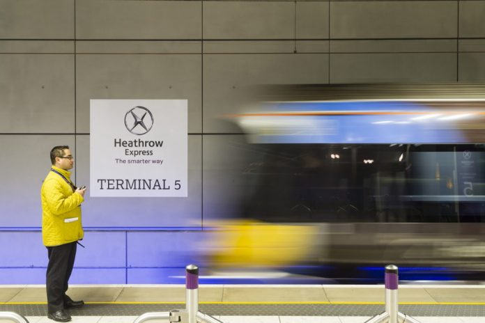 The Heathrow Express opened in 1998, connecting Paddington with Heathrow Airport, and is operated by Heathrow Airport.