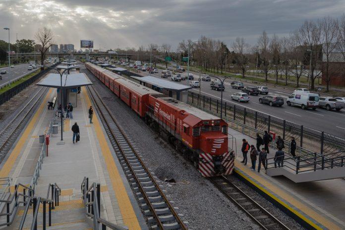 Ciudad Universitaria station. Photo: Sebastian Lopez Suarez.