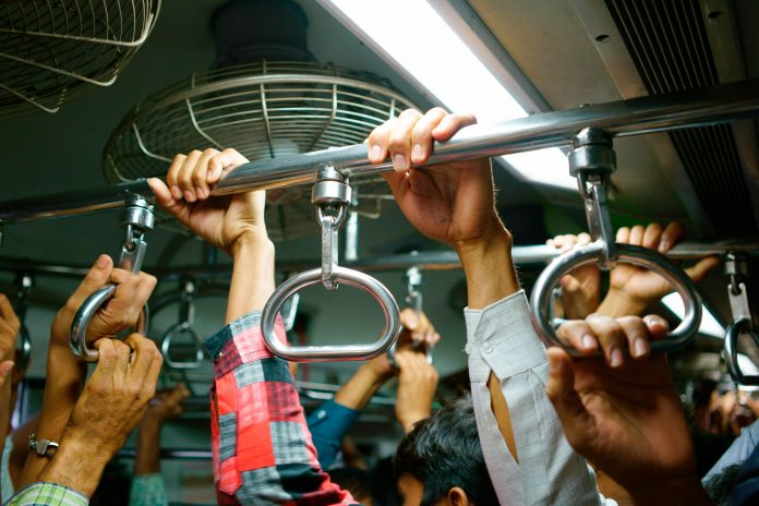 Commuters onboard a packed metro train. Photo: Red Tea.