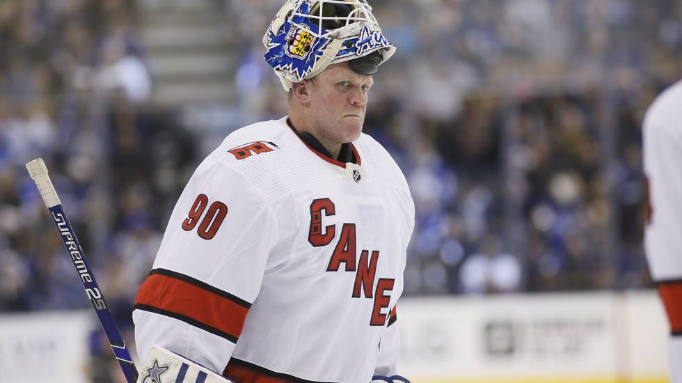Dubbla målvaktsskador – då fick ismaskinisten (!) NHL-debutera