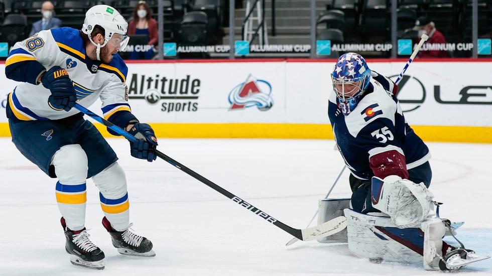Efter trejden – svenskmålvakten vann sin första NHL-match på över ett år