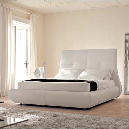 Cattelan Italia Matisse Leather Bed, by Marzia Fortuzzi