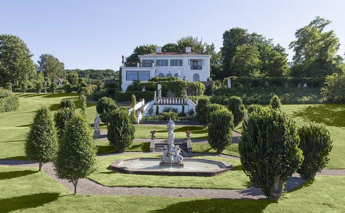 Trädgård och fasad