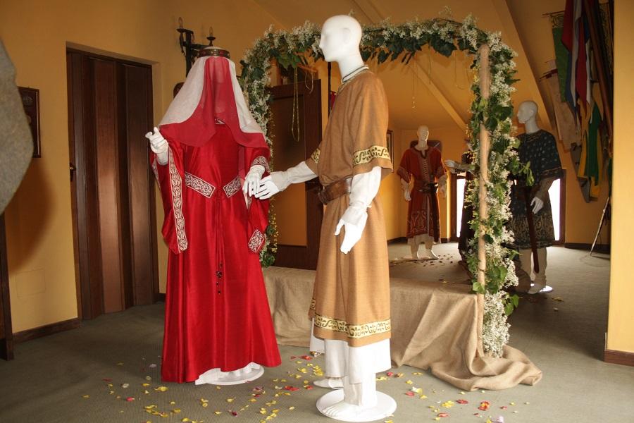 Mostra dei costumi al maniero di Sant'Ambrogio