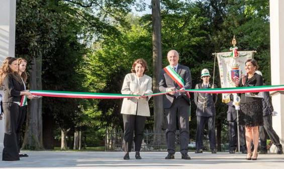 Inaugurazione serre orchidee - ricci con sindaco landonio