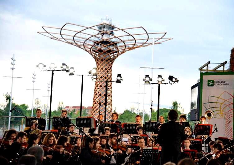 lorchestra Accademia scala ad Expo albero vita