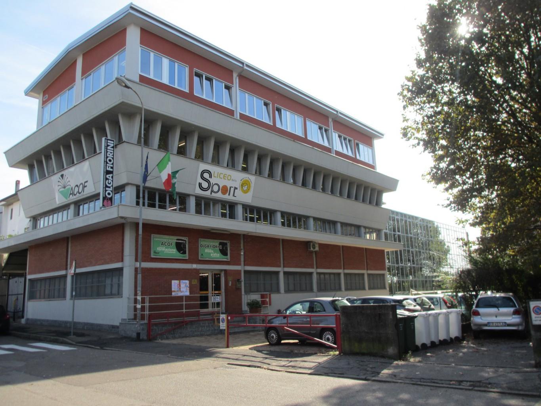 180 diplomati all 39 istituto fiorini pantani sempione news - Scuola carlo porta milano ...