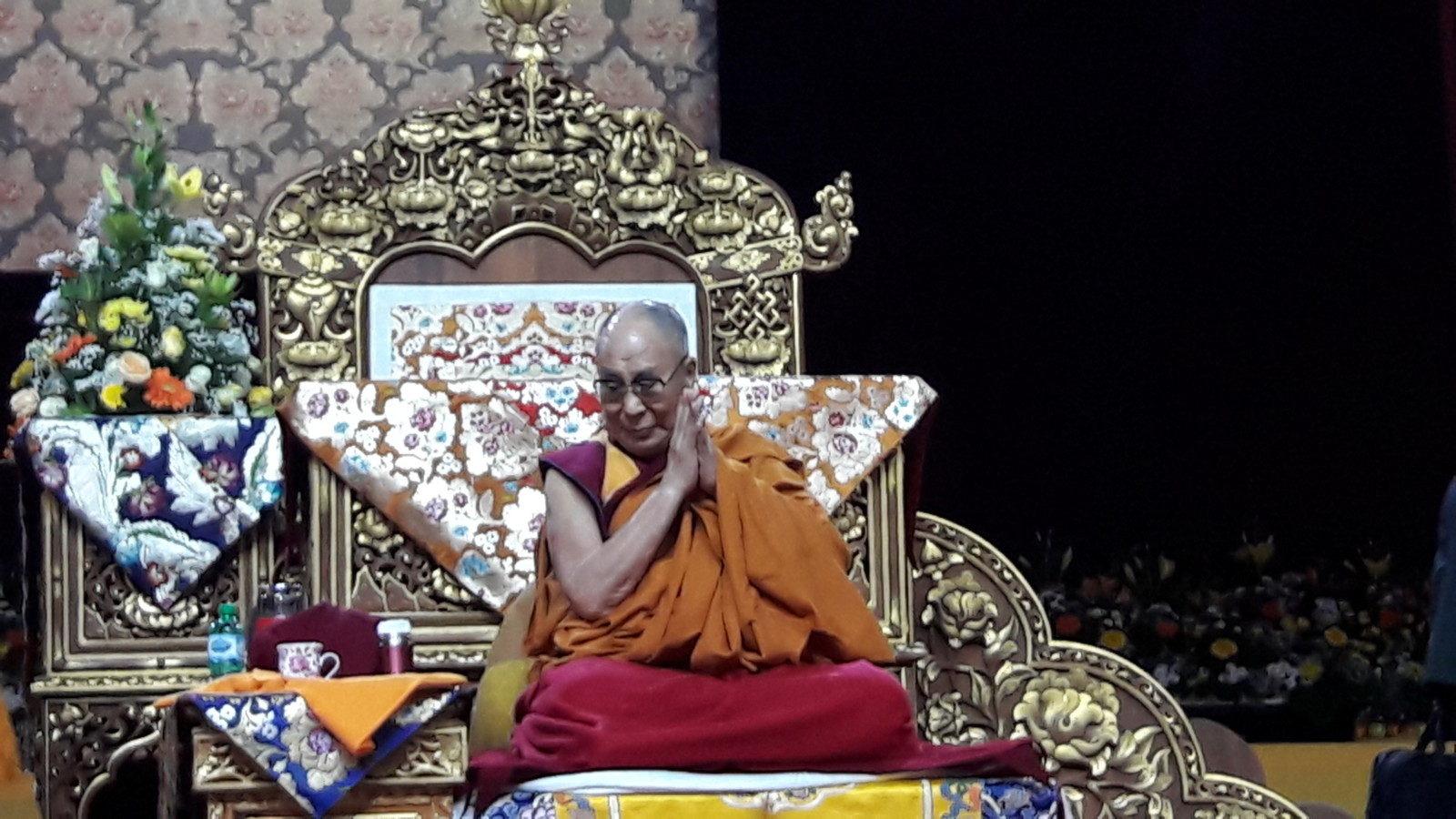 Toccanti le parole del dalai lama a rho fiera sempione news for Rho fiera eventi oggi