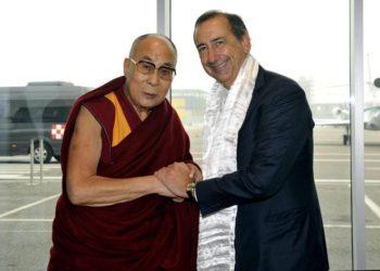 Dalai Lama: arrivato a Milano incontra Sala e Scola