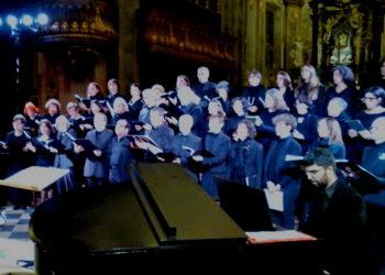 Sempionenews - il coro con il pianista_resize