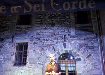 Trevor Gordon Hall un paese Pettensaco SN 01