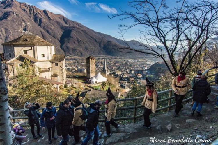 Presepi Mercatini Alla Grotta Di Babbo Natale A Ornavasso Fino Al 6