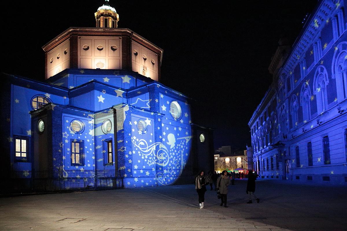 Illuminazione natalizia per negozi: illuminazione natale esterno