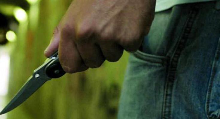 rissa-coltelli-e-mazze-