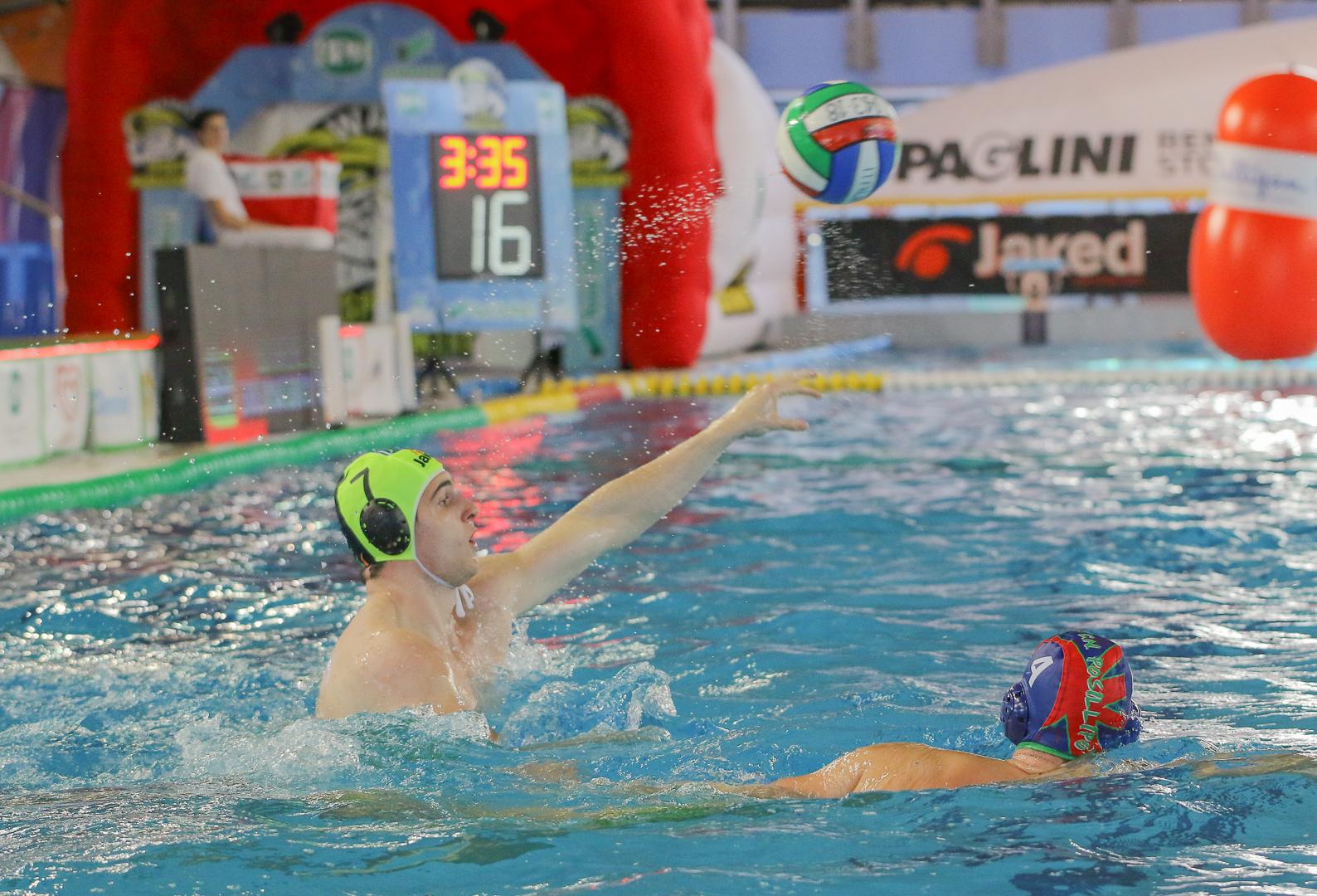 Pallanuoto banco bpm sport management pareggia 12 12 con - Del taglia piscine chiude ...