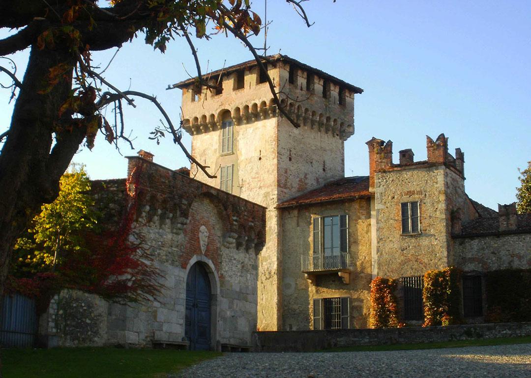 castello visconti somma lombardo