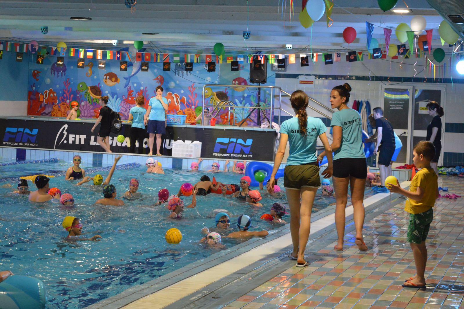 130 bambini al ii trofeo b fit legnano nuoto sempione news - Piscina di legnano ...