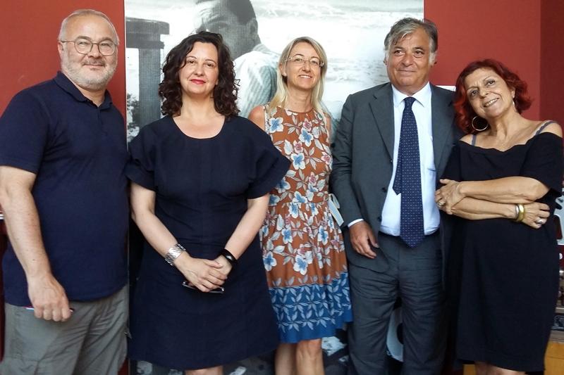 Nuova rassegna per il cinema sotto le stelle di busto for Le torri arredamento busto arsizio
