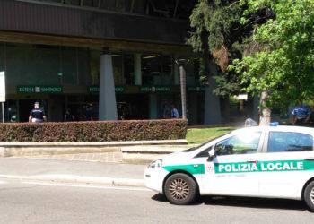 Blitz polizia locale legnano (3)