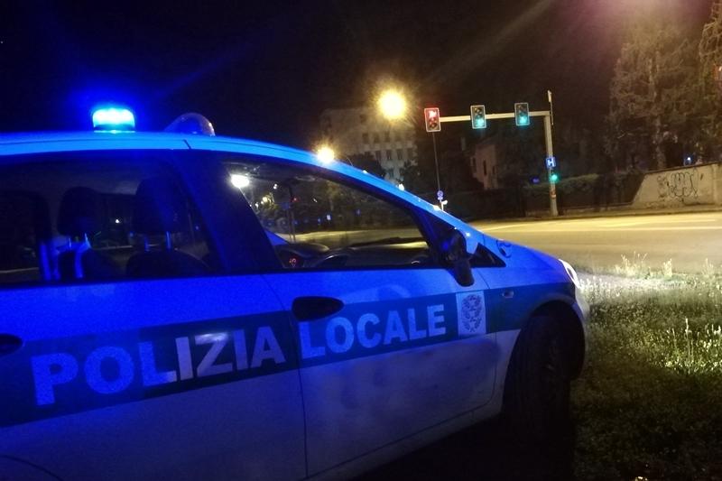 polizia-locale-notte